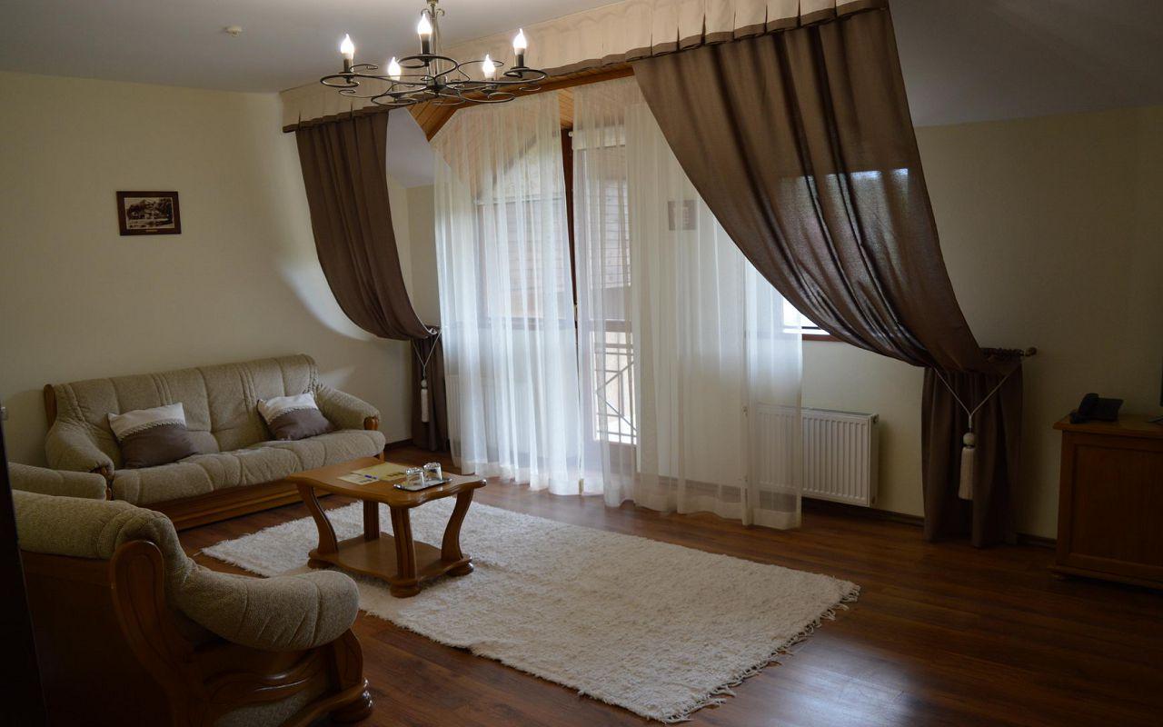 Suite (10)
