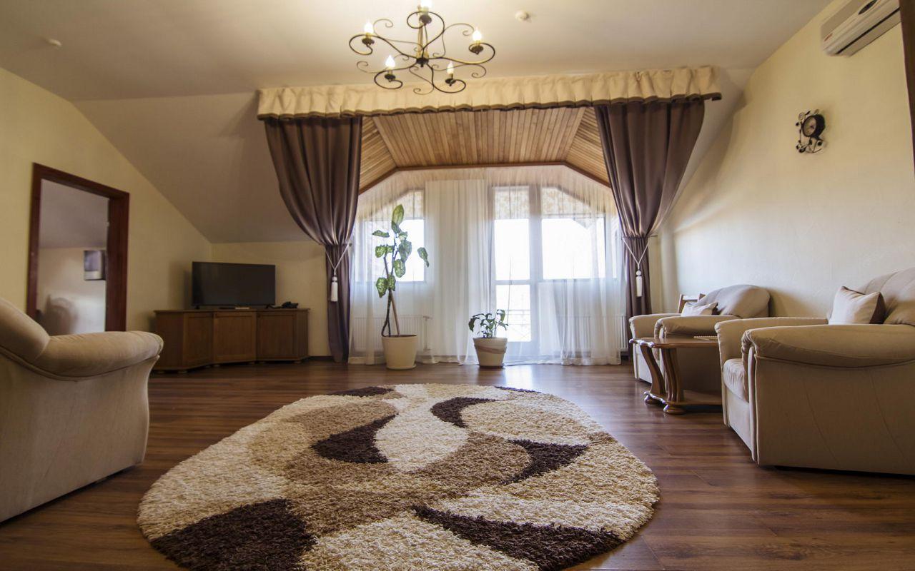 Suite (12)