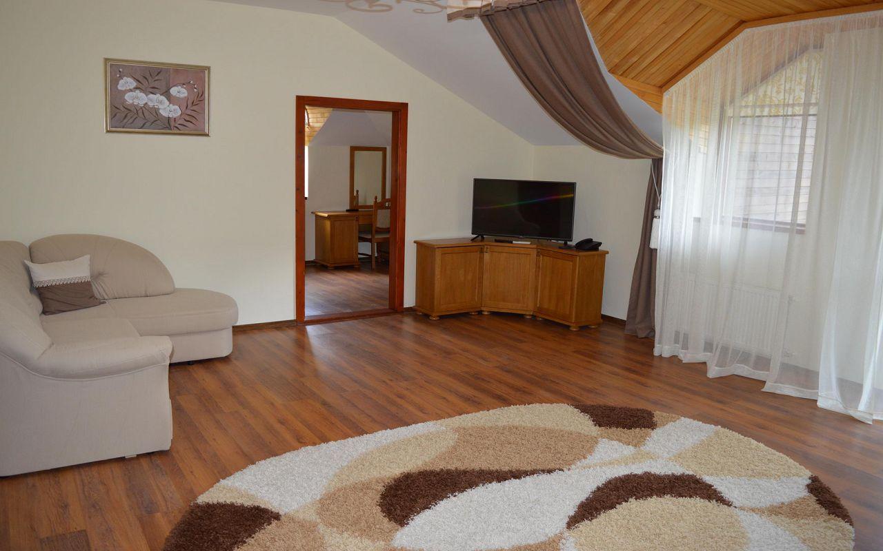 Suite (6)