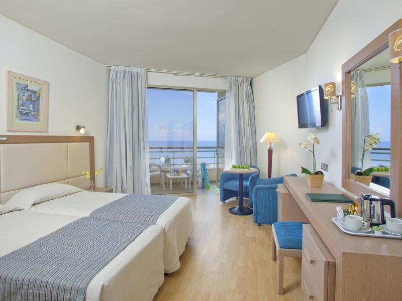 001 Standard Room-min
