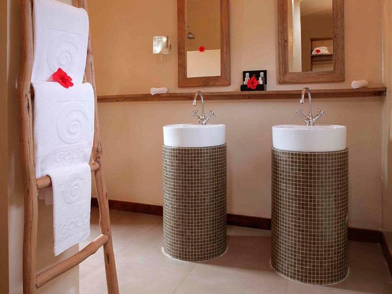 Beach Suite bathroom