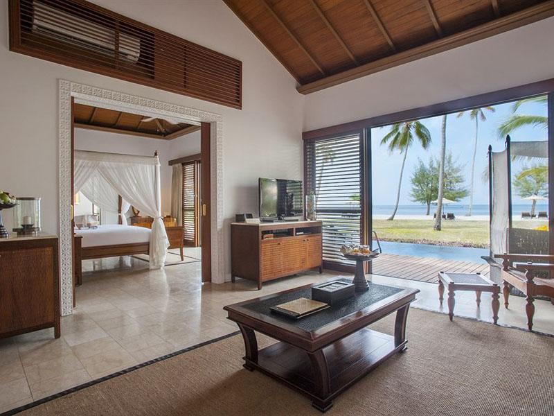 Frangipani Ocean Front Pool Villa (2)