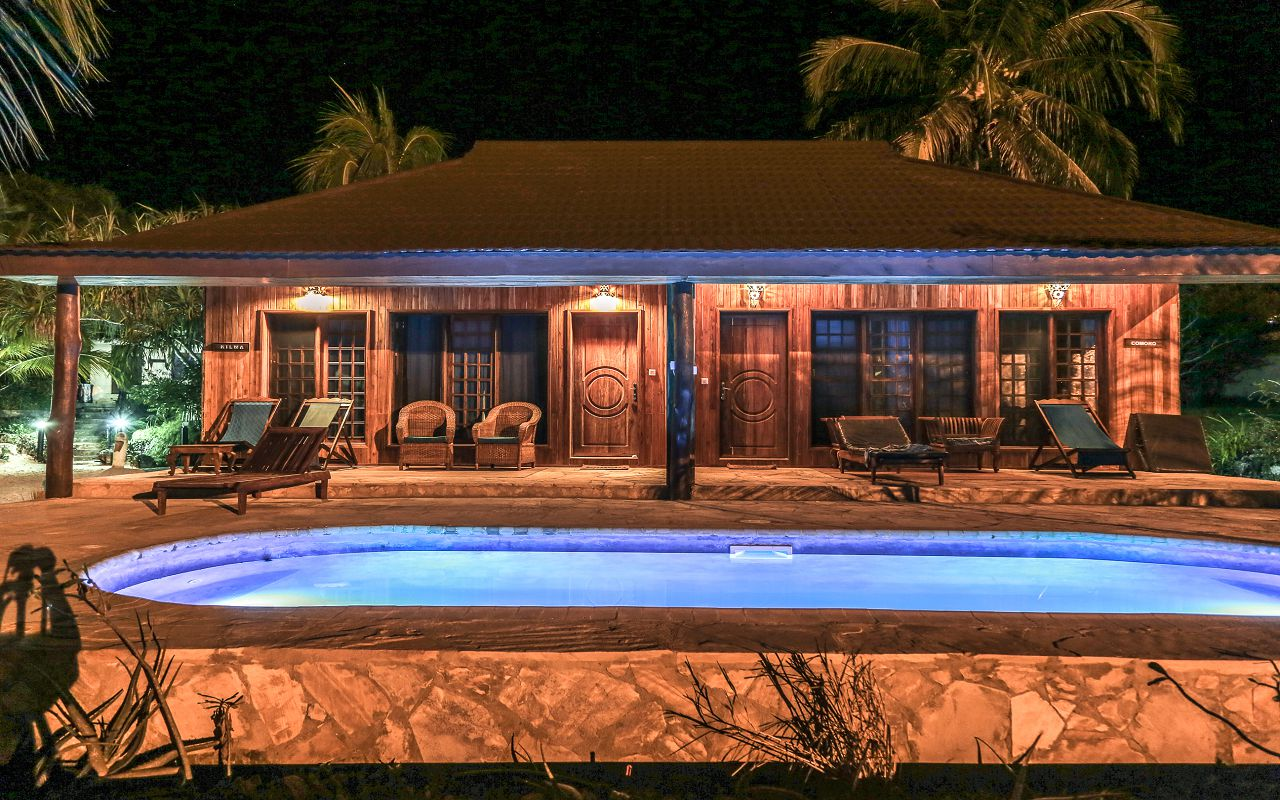 POOL BUNGALOWS (11)