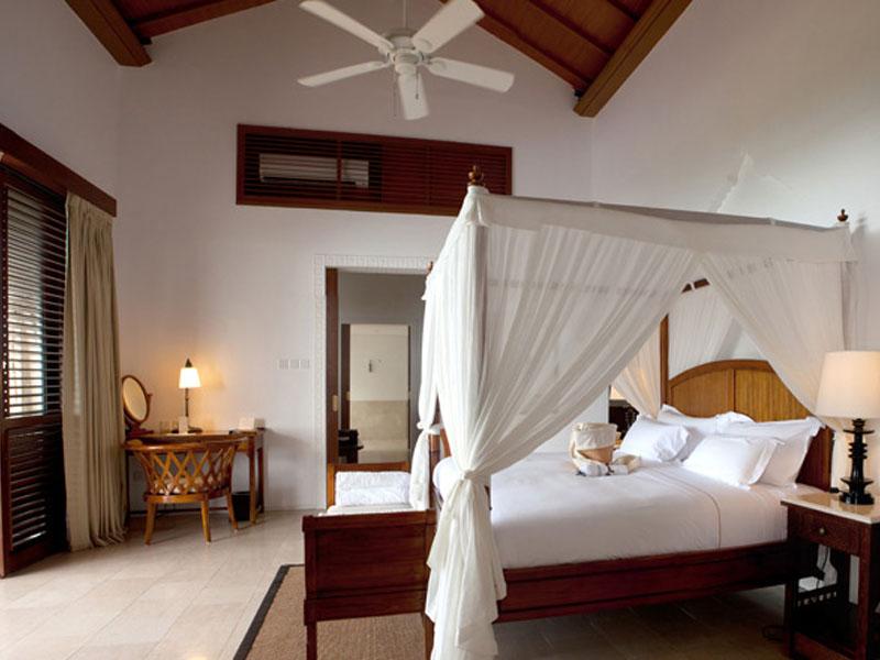 accommodation-luxury-ocean-front-pool-villa-02