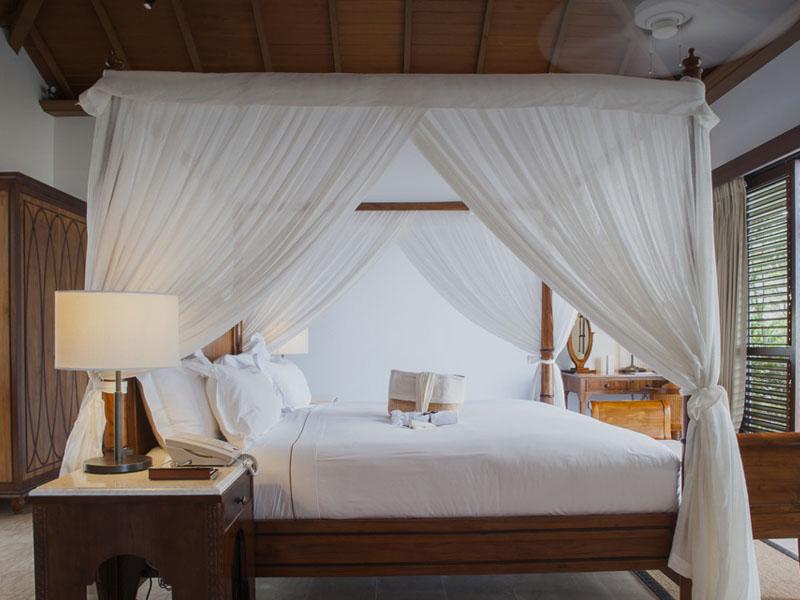 accommodation-luxury-ocean-front-pool-villa-masthead