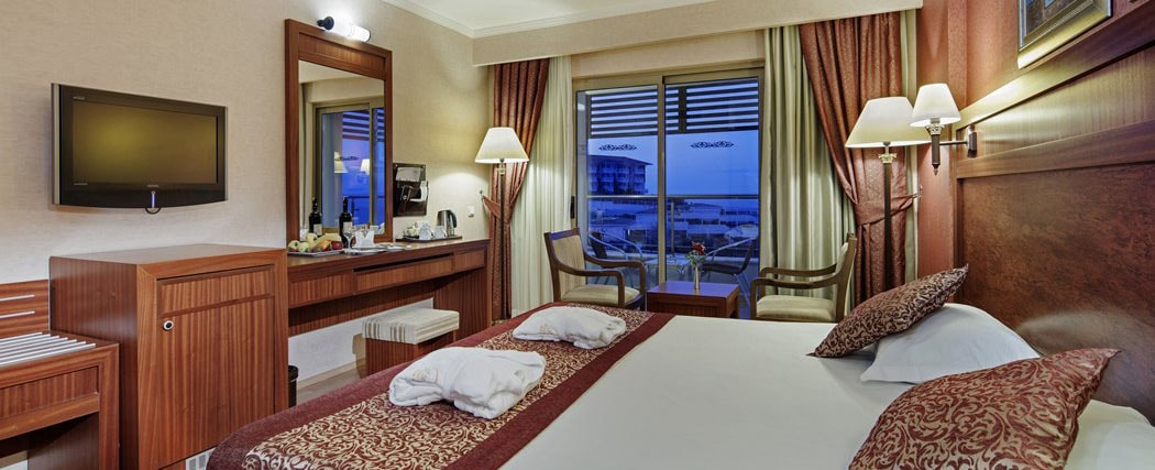 Alba Royal Hotel Side Family Room 1-min