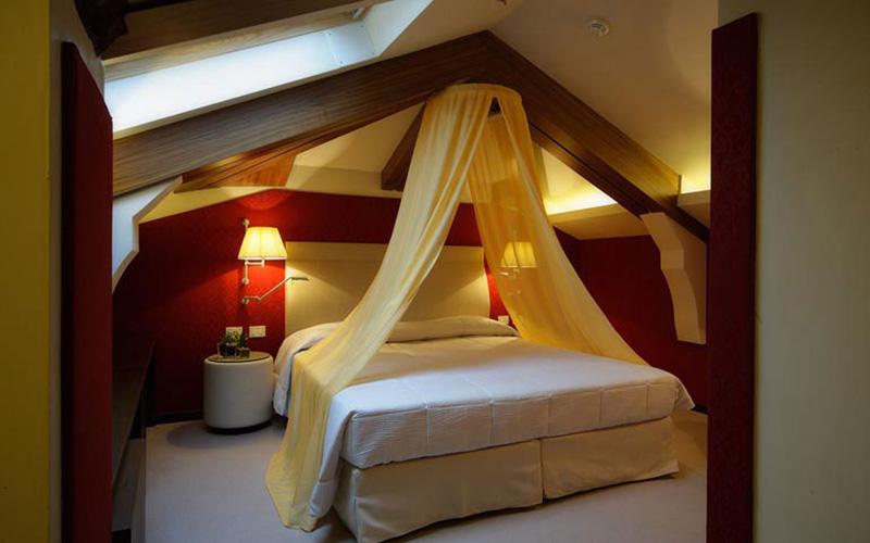 Room with dormer window