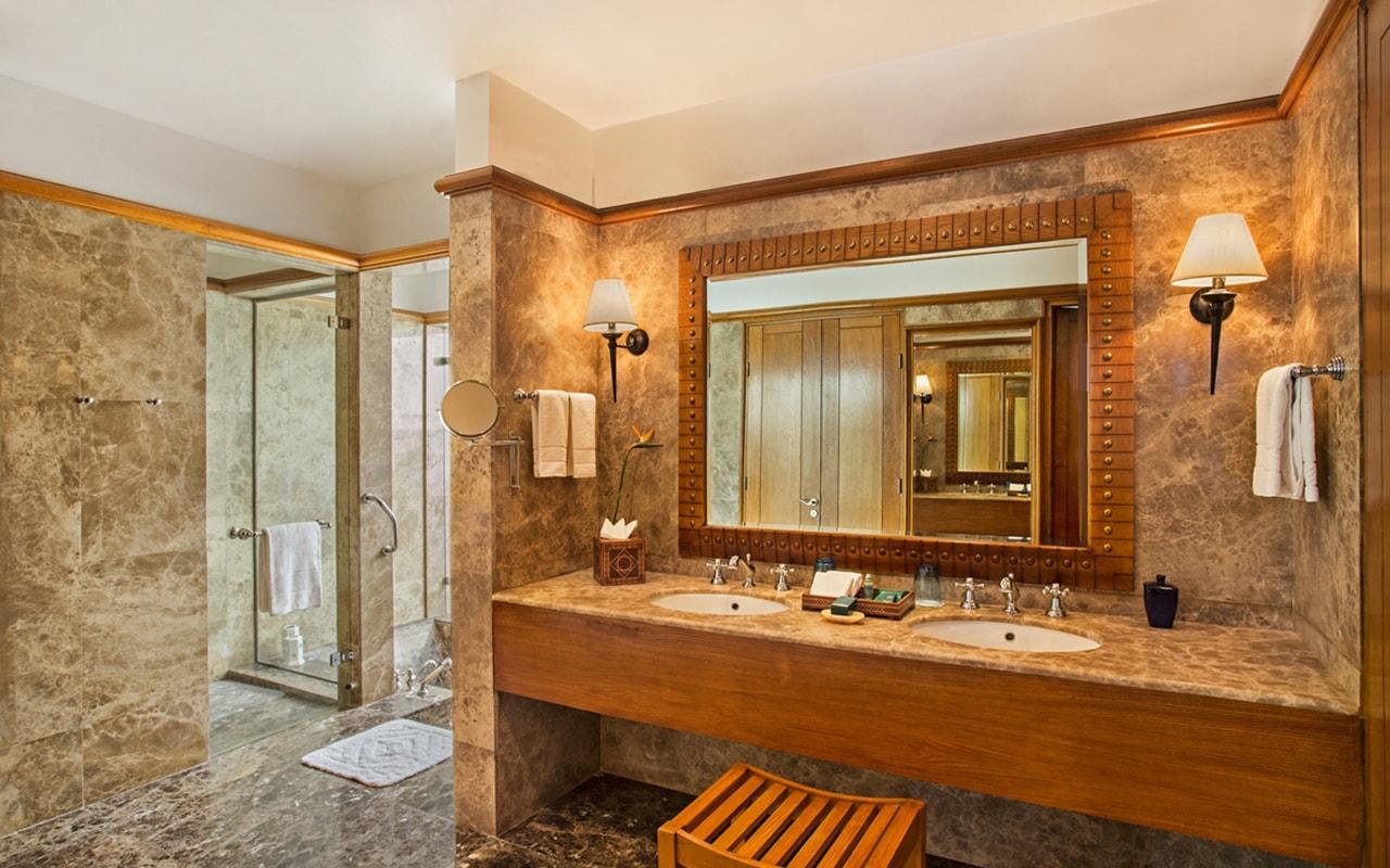 Royal Suite Bath Room-min