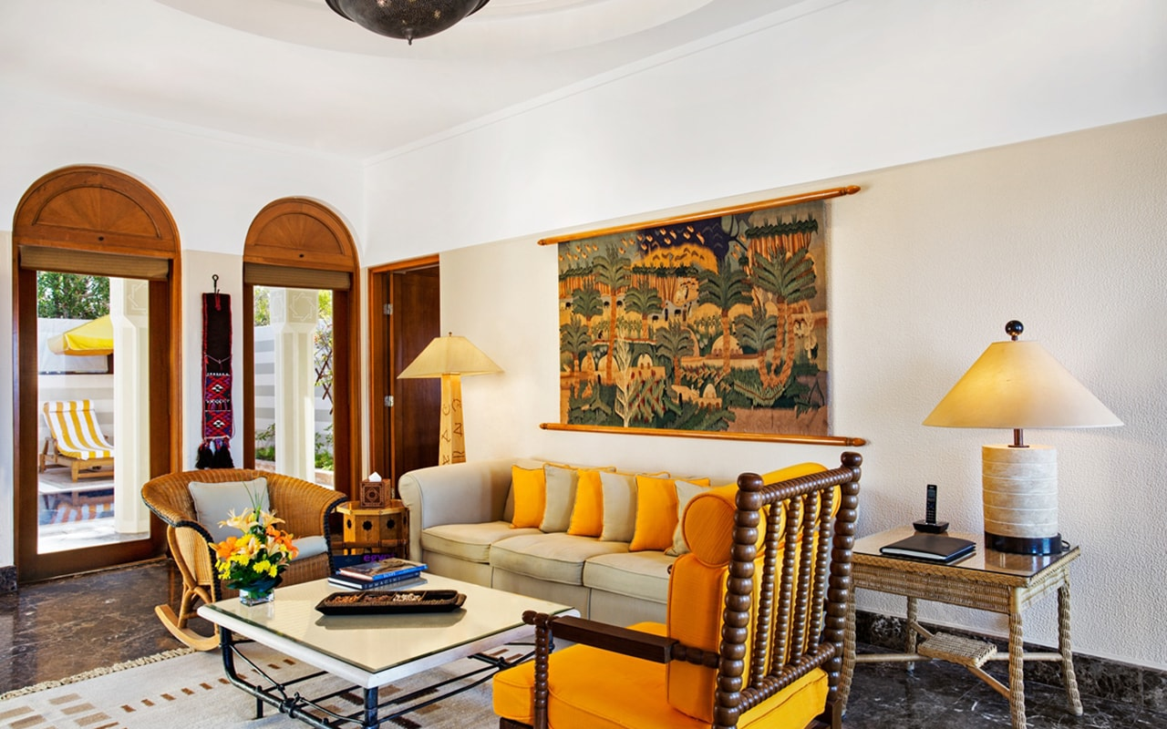 Royal Suite Living Room-min