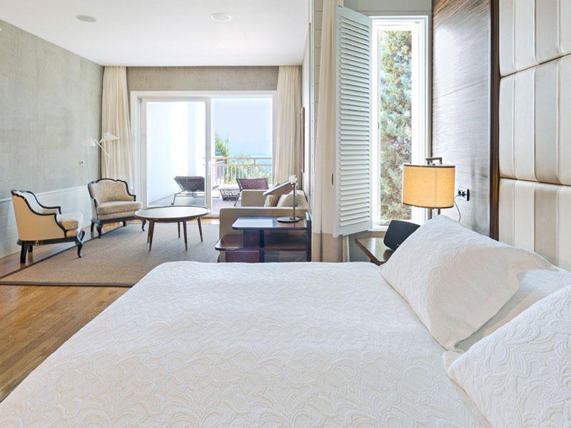 SetWidth2000-Presidential-Suite-Bedroom