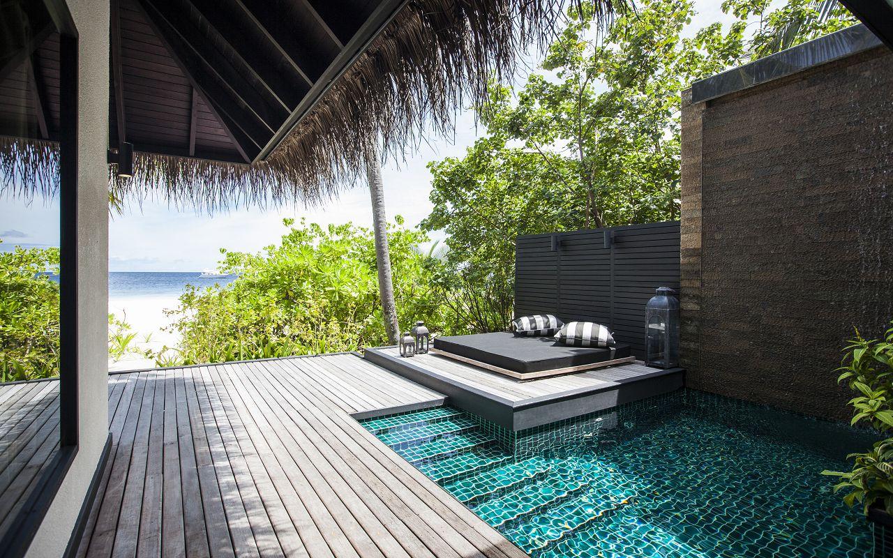 Beach Villa with Private Pool (10)
