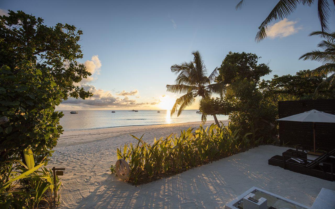 Beach Villa with Private Pool (6)