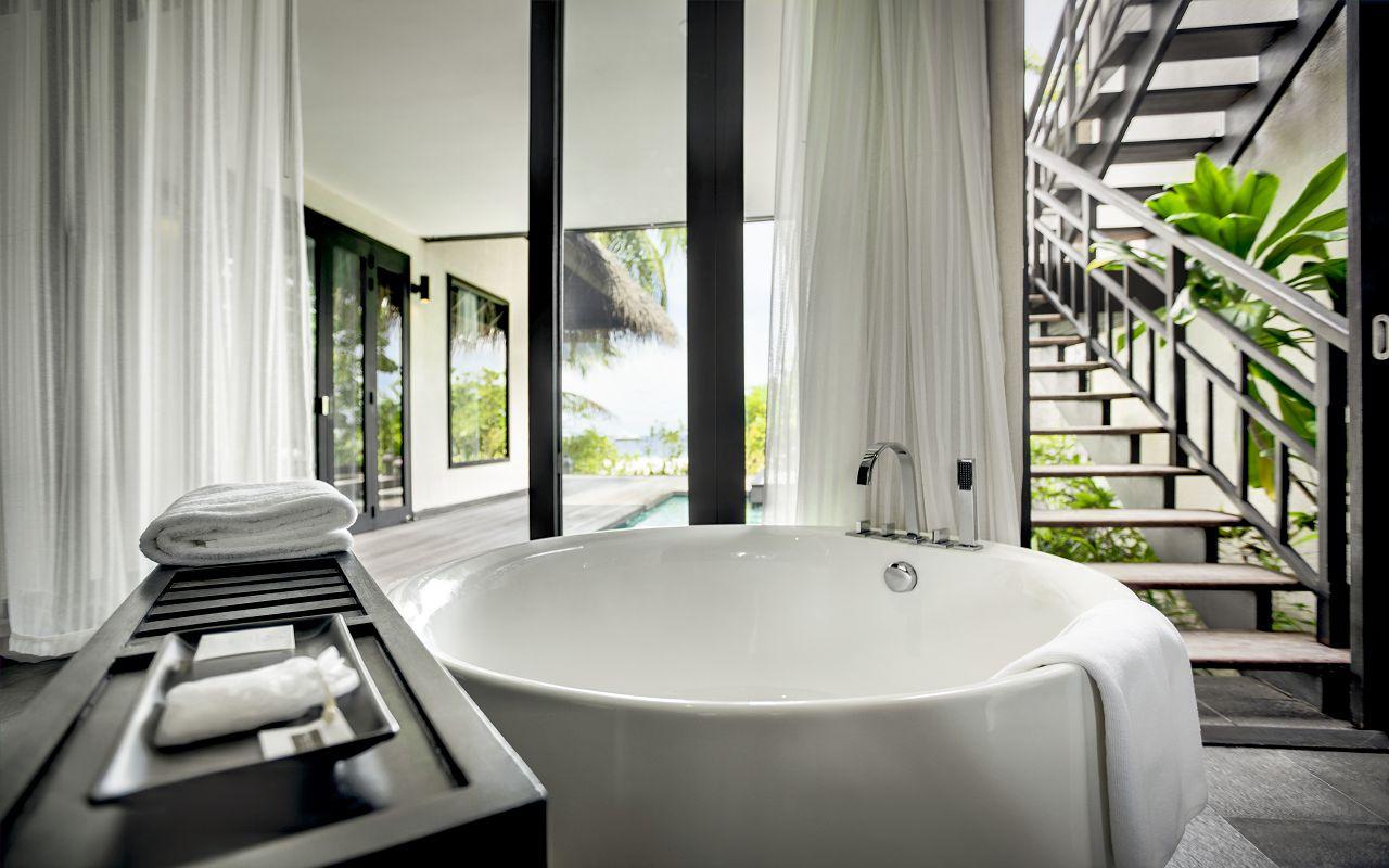 Beach Villa with Private Pool (8)