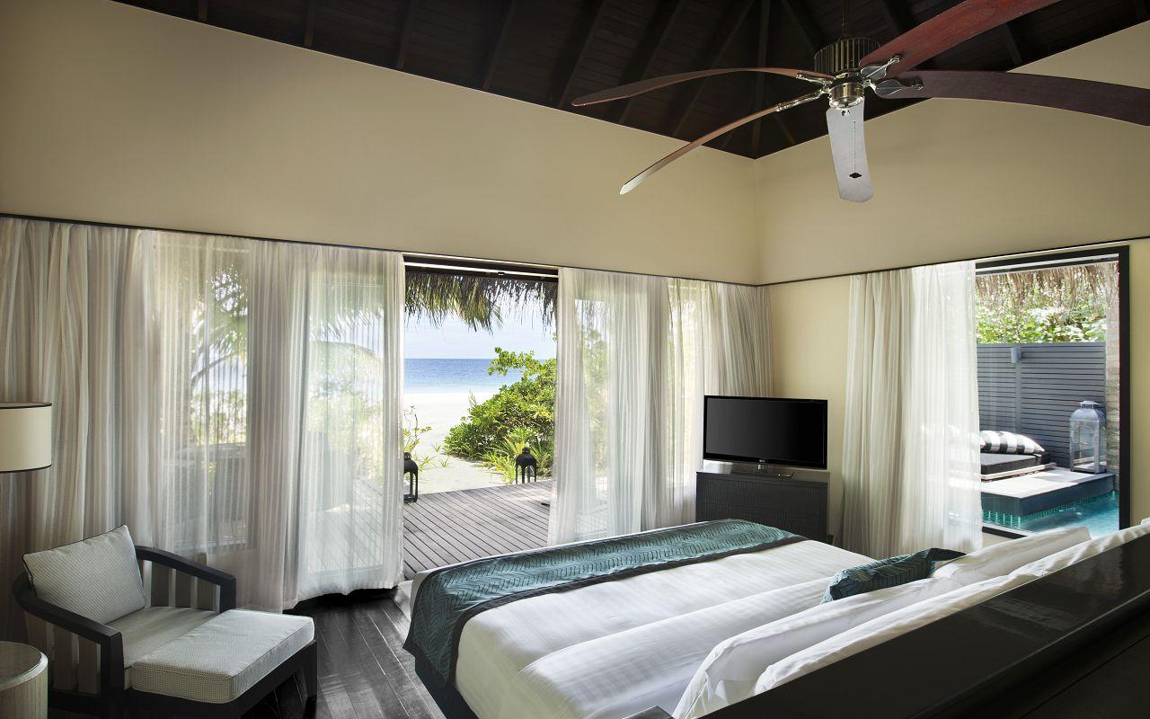 Beach Villa with Private Pool (9)