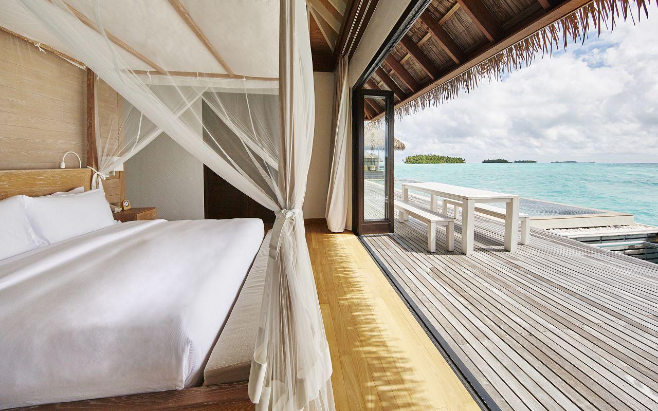 COMO Maalifushi - Maalifushi Water Villa Bedroom