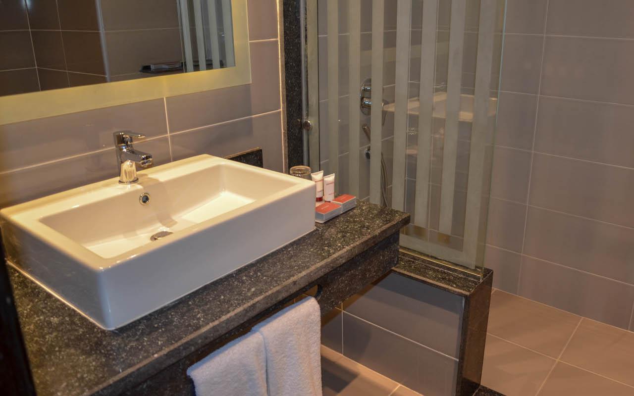 Premium-Room-Sea-View_03-min