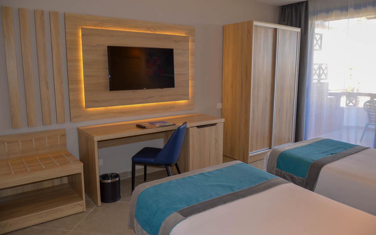 Premium-Room-Sea-View_07-min