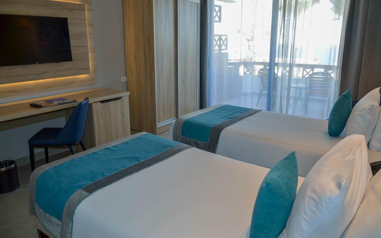 Premium-Room-Sea-View_08-min