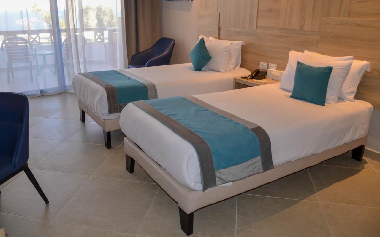 Premium-Room-Sea-View_09-min