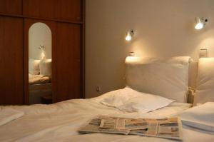 Apartment 2 Bedroom (2)