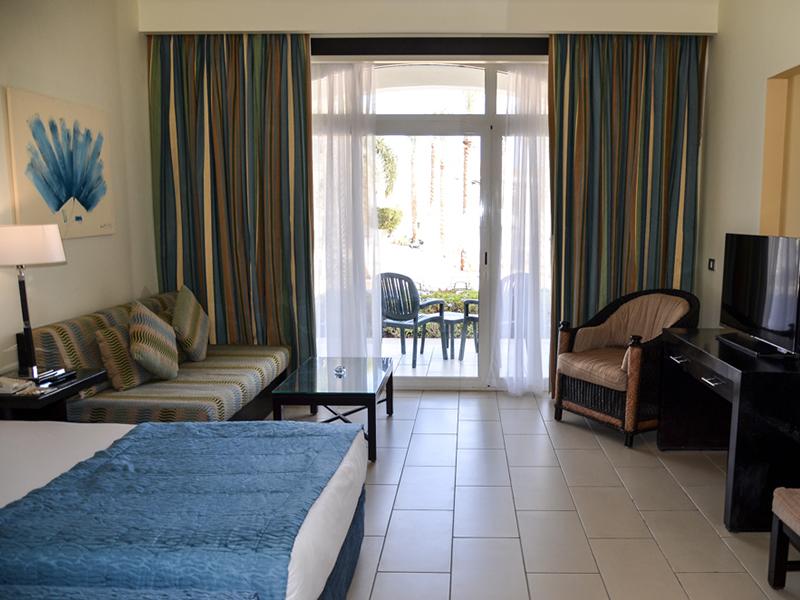 Blue Bay Deluxe Room 3