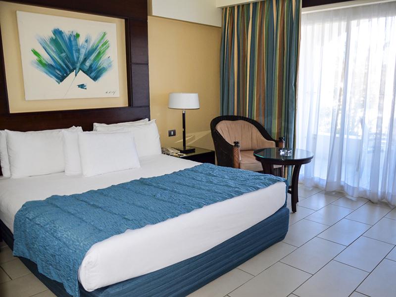 Blue Bay Deluxe Room 6
