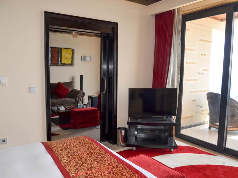 Honeymoon Suite (6)