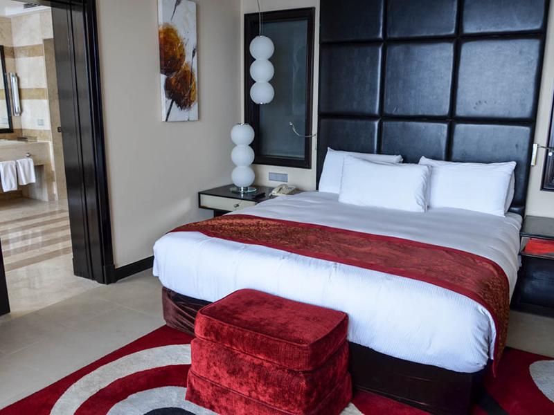 Honeymoon Suite (7)
