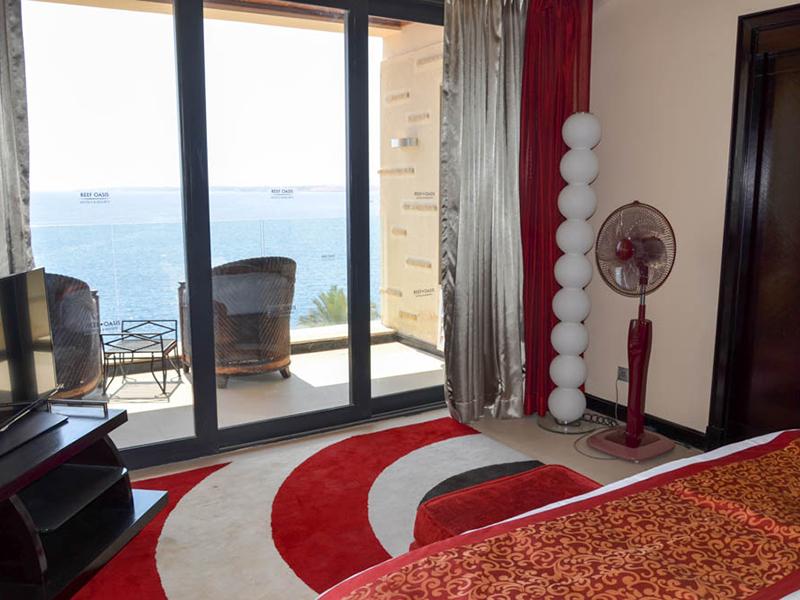 Honeymoon Suite (8)