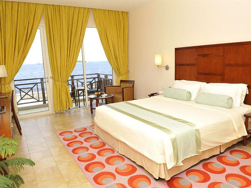 4Hulhule Island Hotel (11)