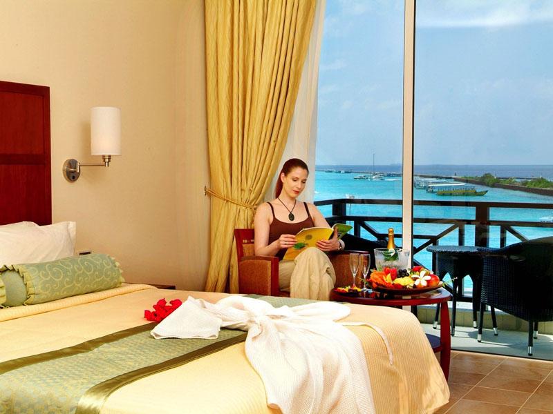 4Hulhule Island Hotel (7)