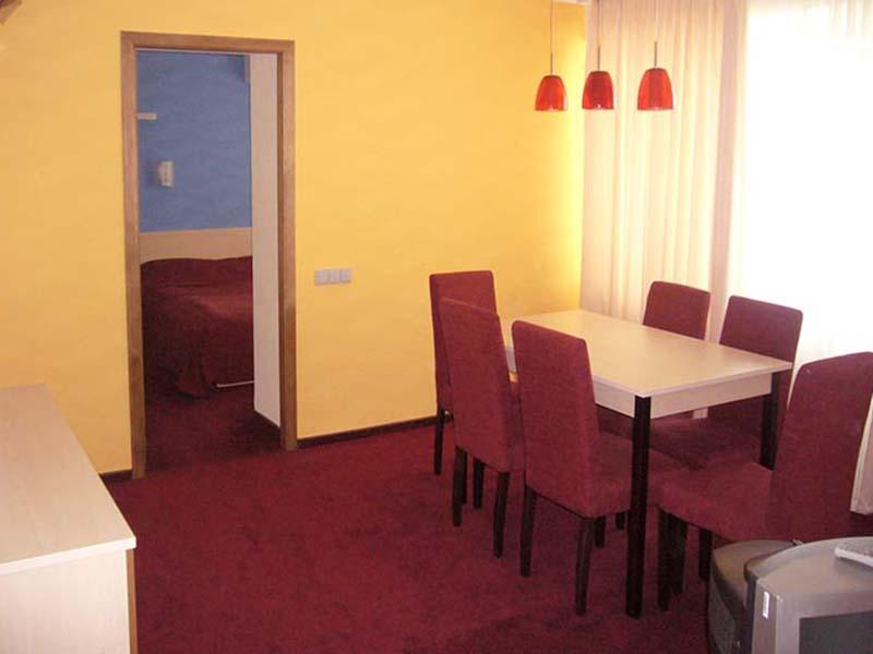 7-dniv-kamyanets-podilskyy-suite-05