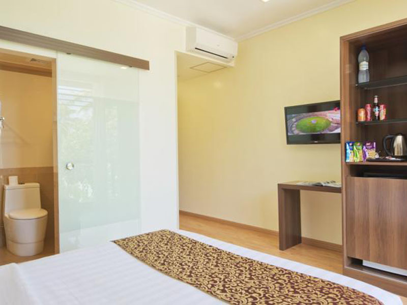 Deluxe Double Room with Balcony & Sea View1