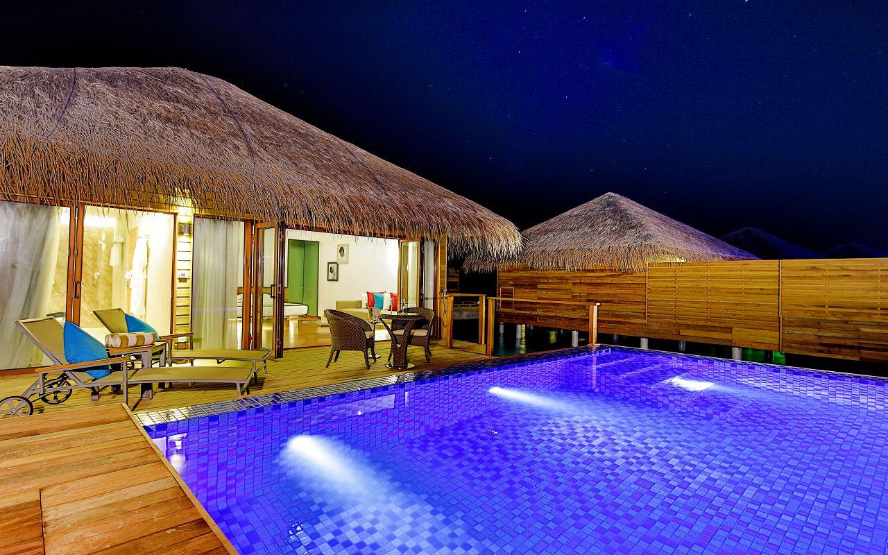 Lagoon Suite Pool-016