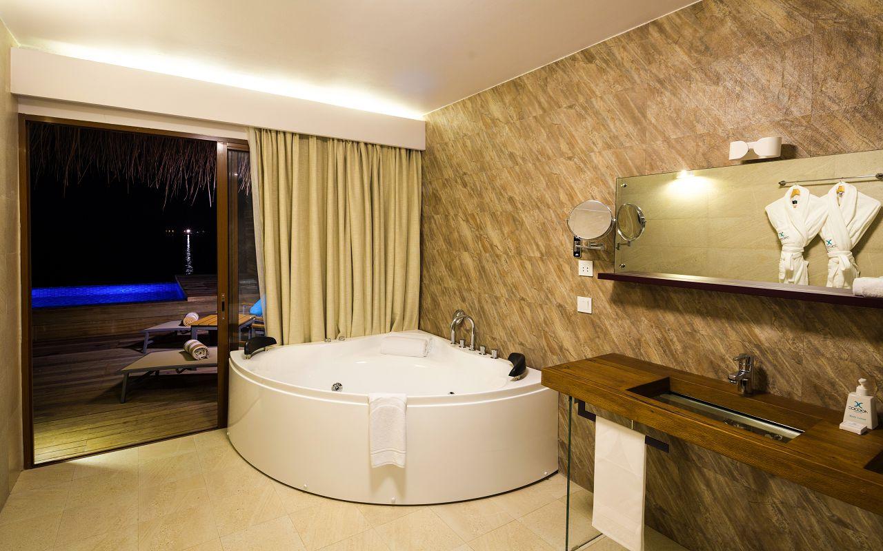 Lagoon Suite Pool-020