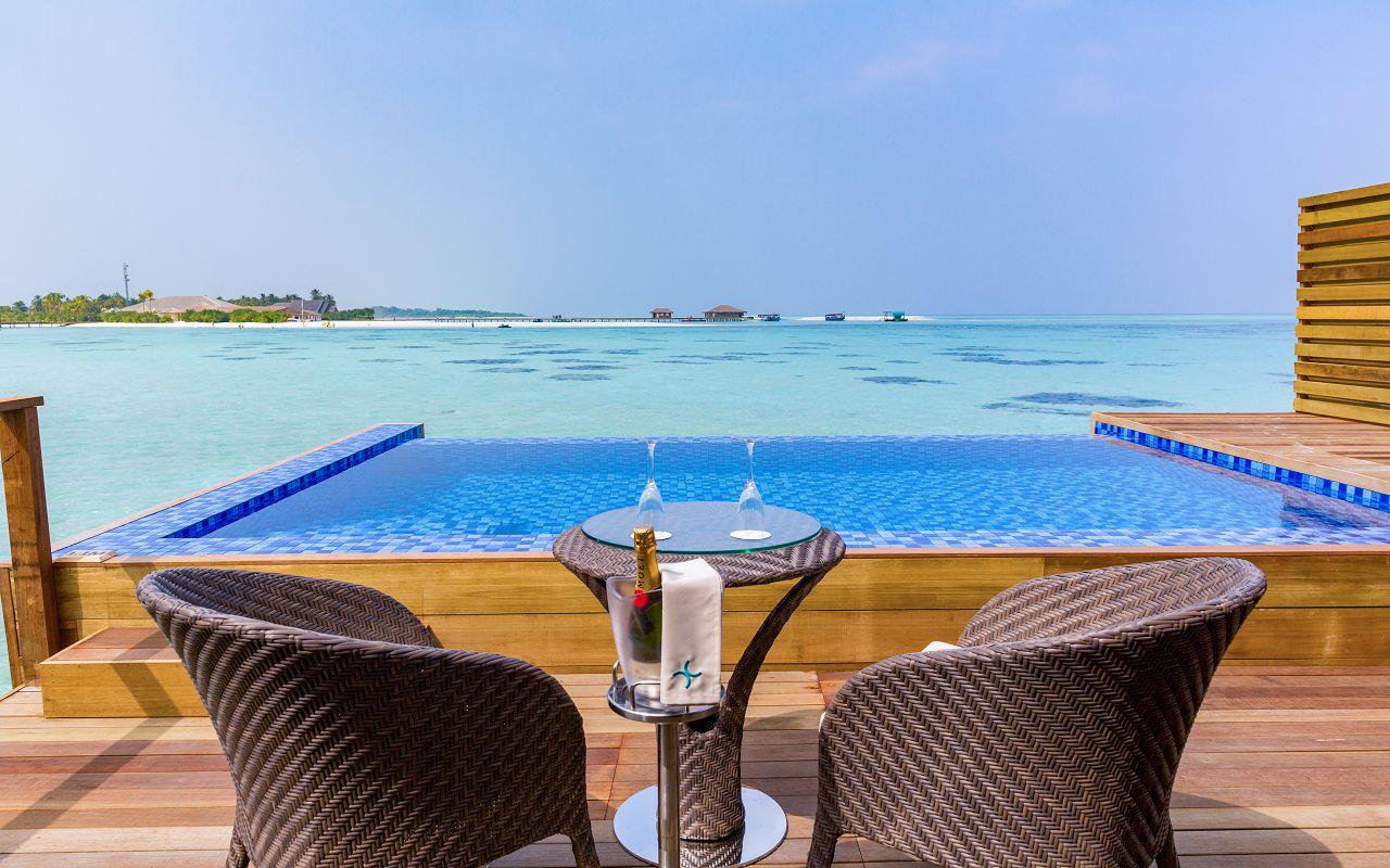 Lagoon Suite Pool-021