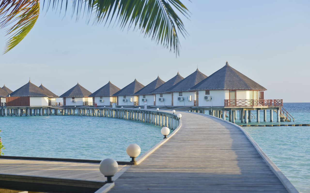 SFI-HRES-Safari_Island_Water_Bungalow10