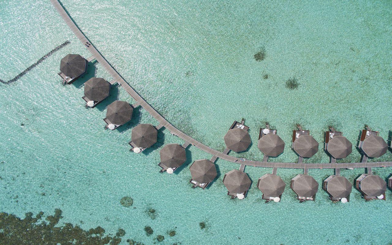 SFI-HRES-Safari_Island_Water_Bungalow_Aerial