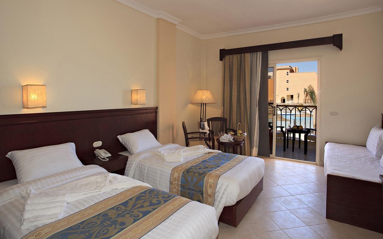 Sunny-Beach-Resort-Family-room1-min