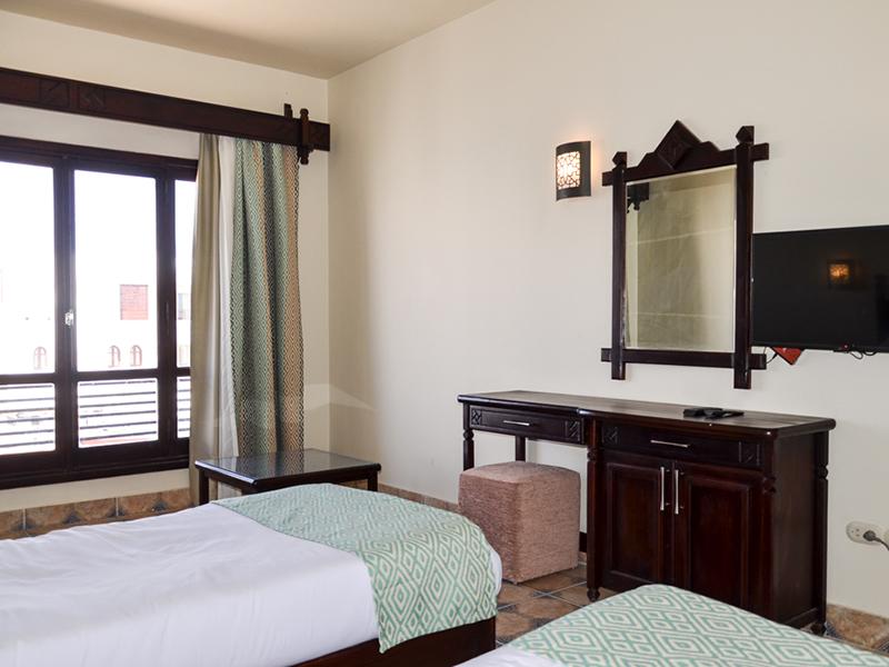 4 Standard Room