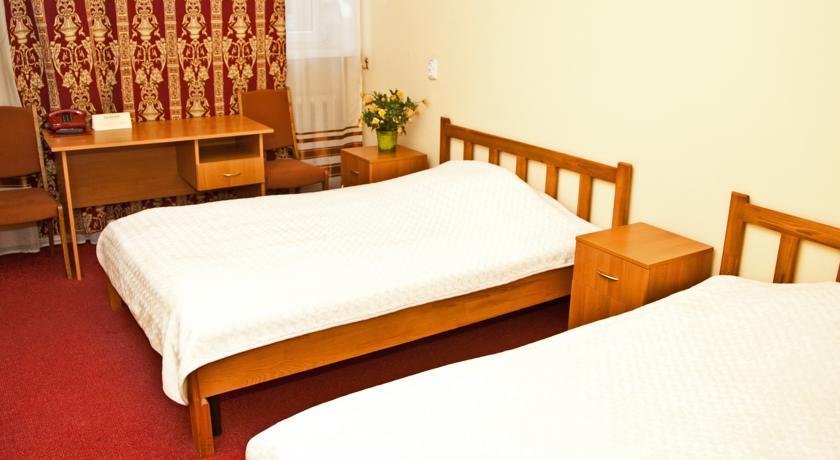 козацкий с двумя кроватями (3)