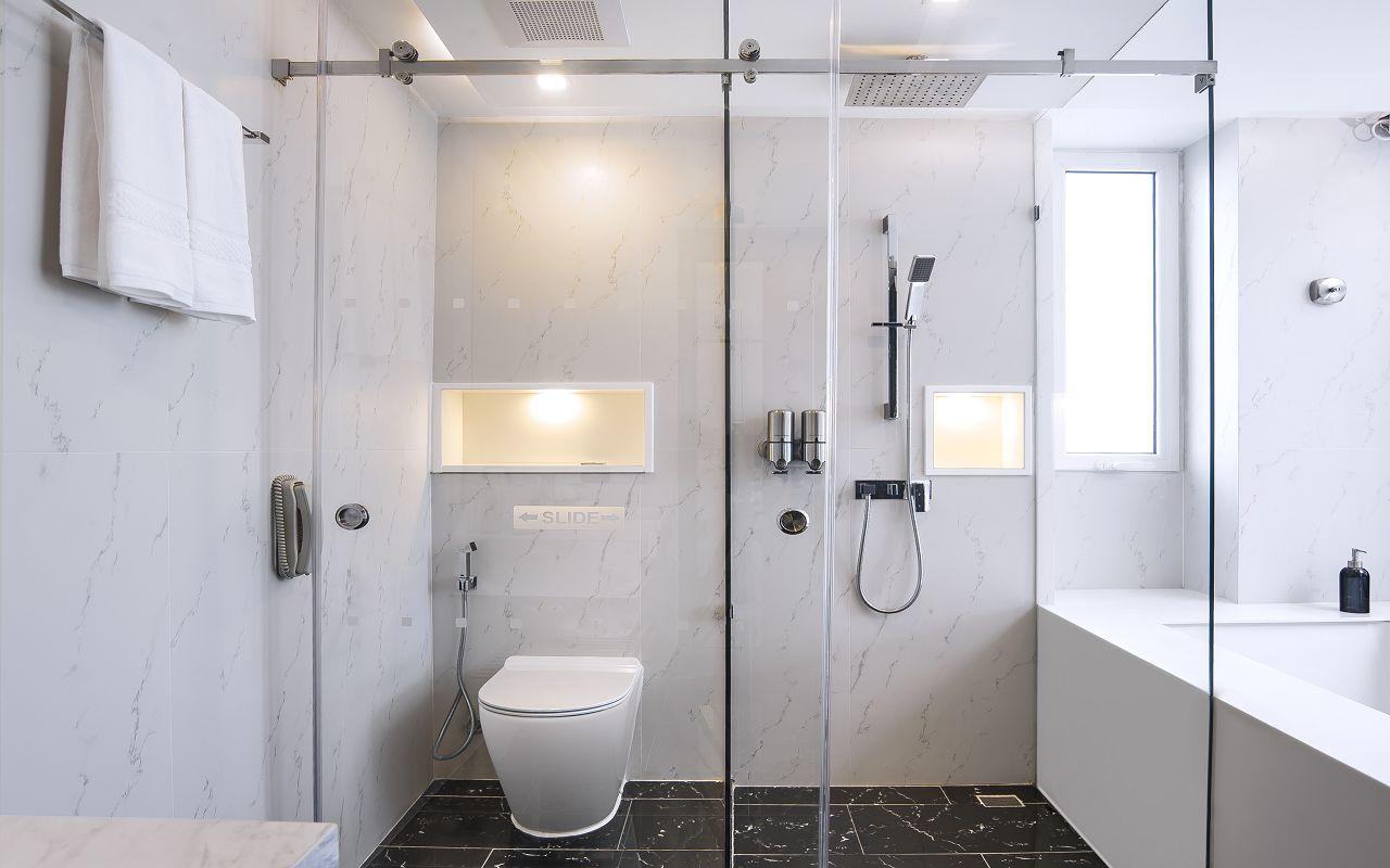 Amari Residences Pattaya_Two Bedroom Corner Suite Ocean Facing_Master Bathroom 1