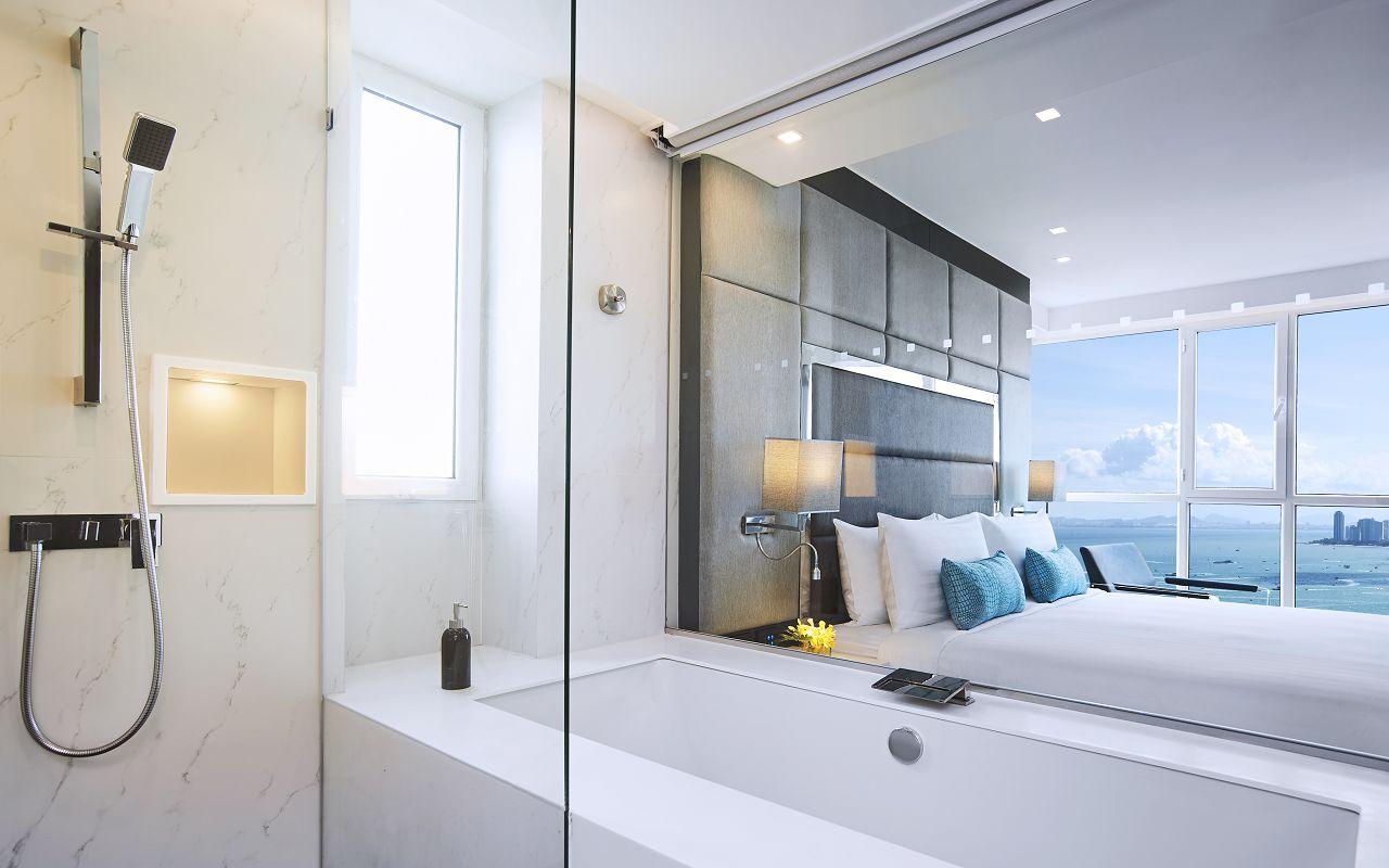 Amari Residences Pattaya_Two Bedroom Corner Suite Ocean Facing_Master Bathroom 2