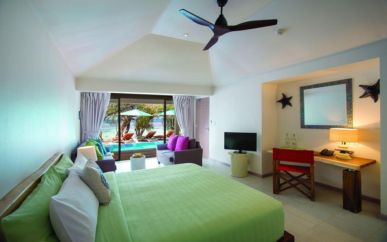 BEACH SUITE INTERIOR - MASTER BEDROOM