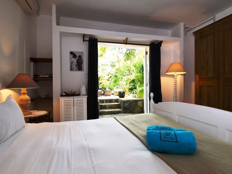 Basic Cosy Room (2)