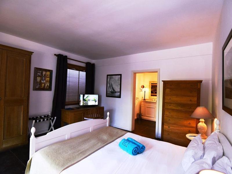 Basic Cosy Room (3)