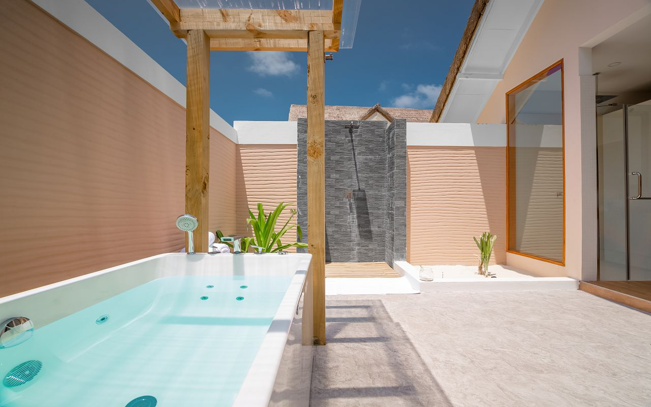 Beach Villa Bathroom (2)