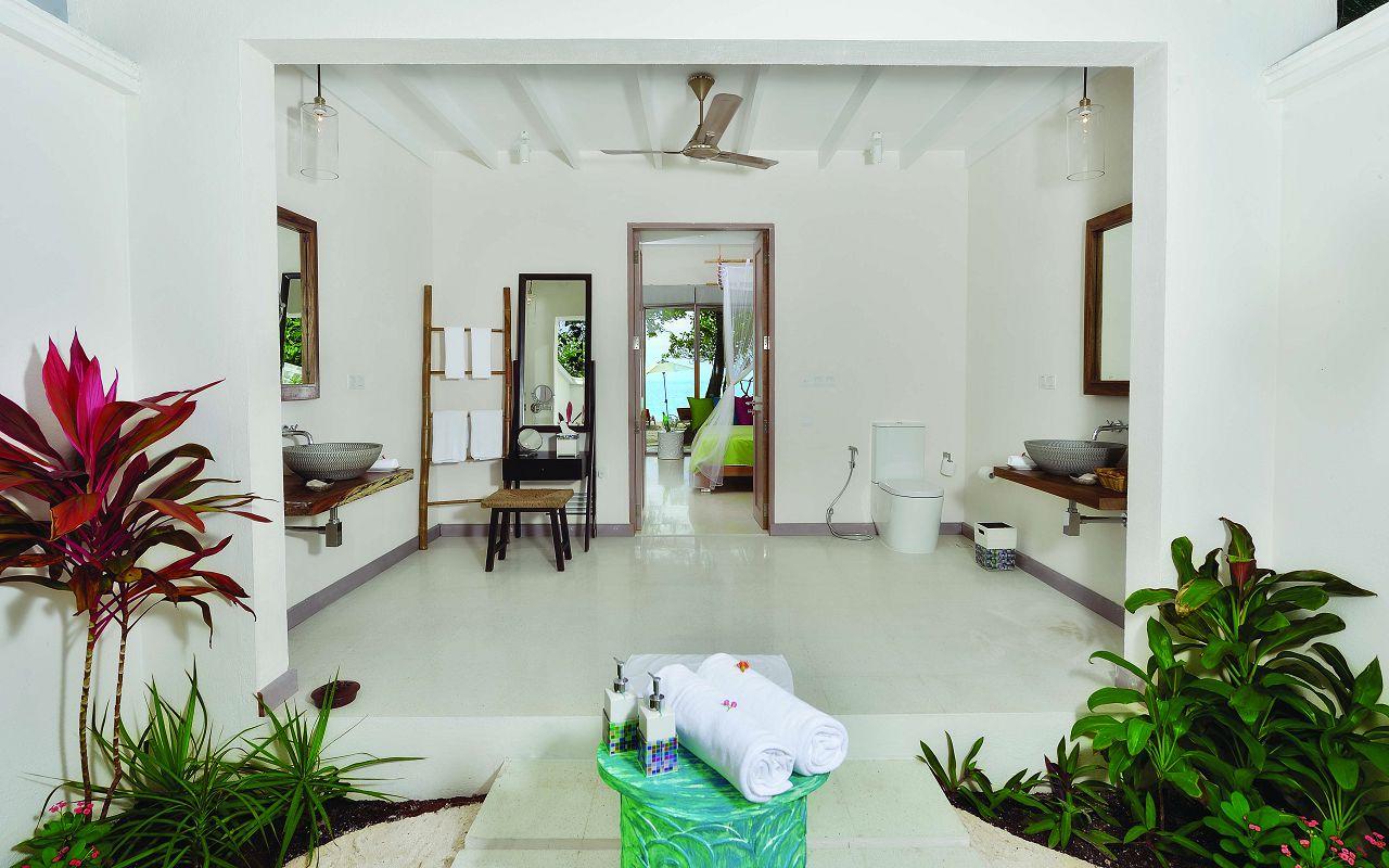 DBV Bathroom View 02