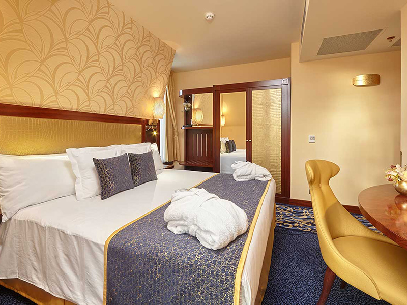 Deluxe Room with view2
