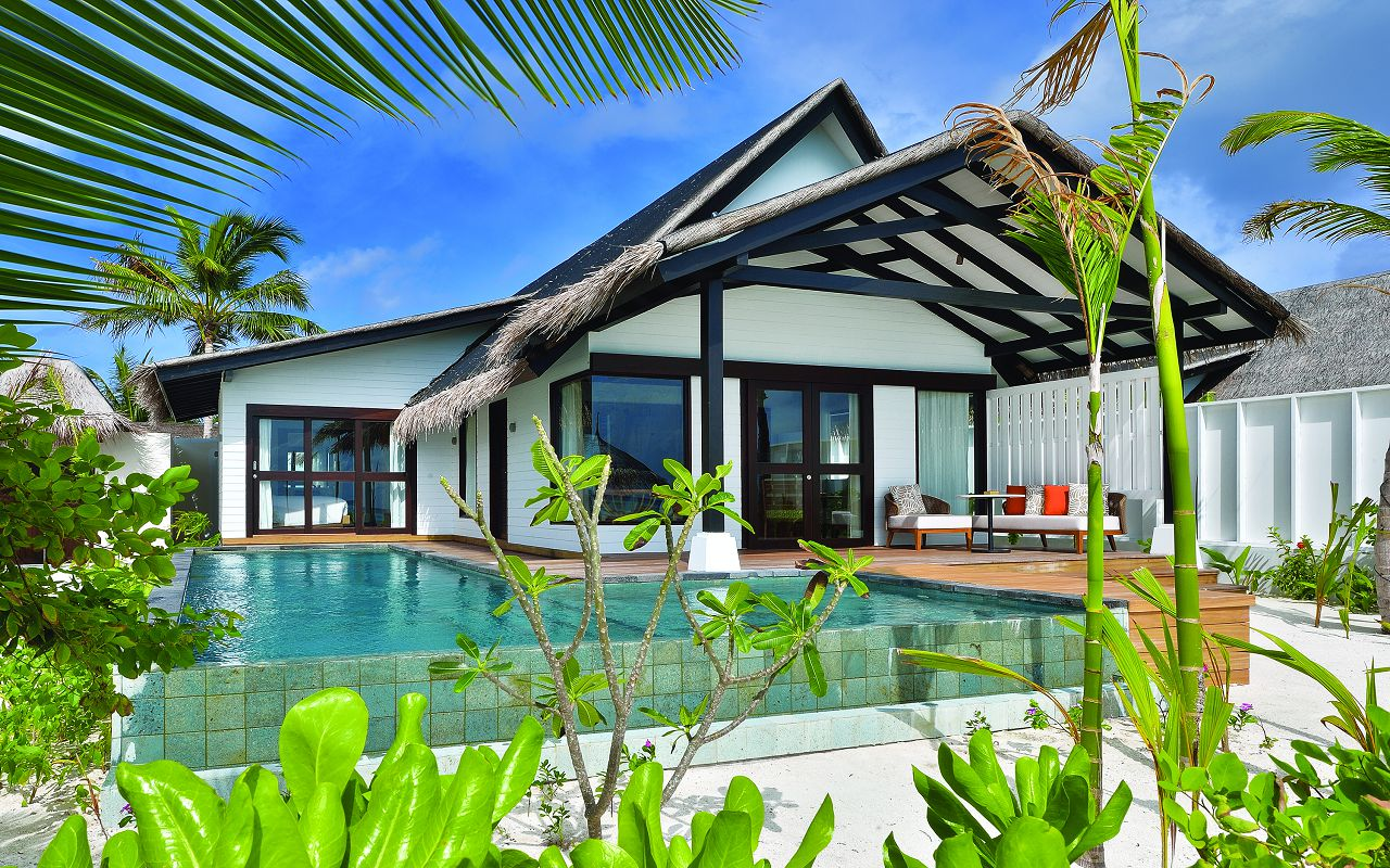 EARTH FAMILY POOL SUITE - EXTERIOR - OZEN BY ATMOSPHERE AT MAADHOO MALDIVES copy